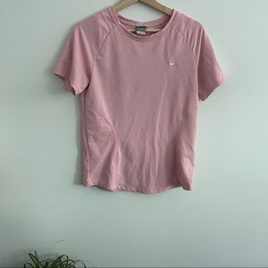 Nike - Pink Workout Top Short Sleeve - Structured